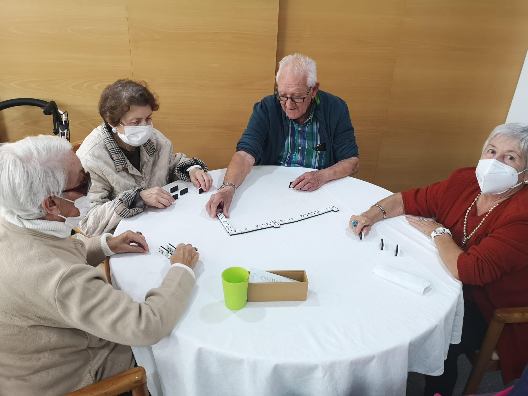 Ludoterapia para personas mayores